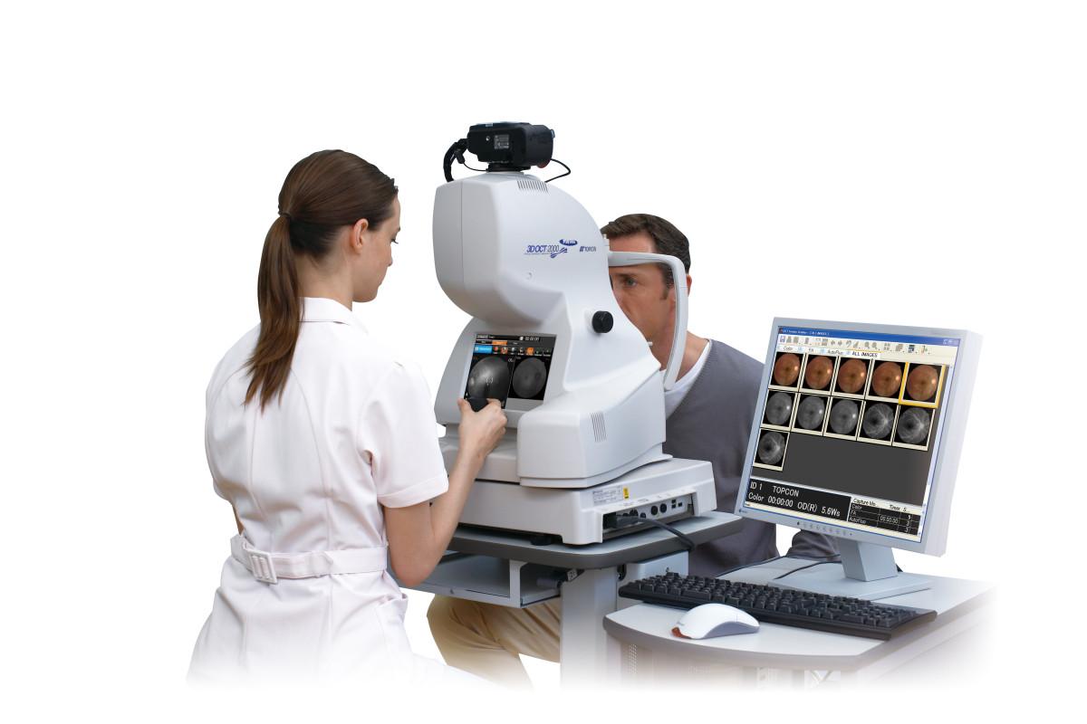 Optom&patient with OCT